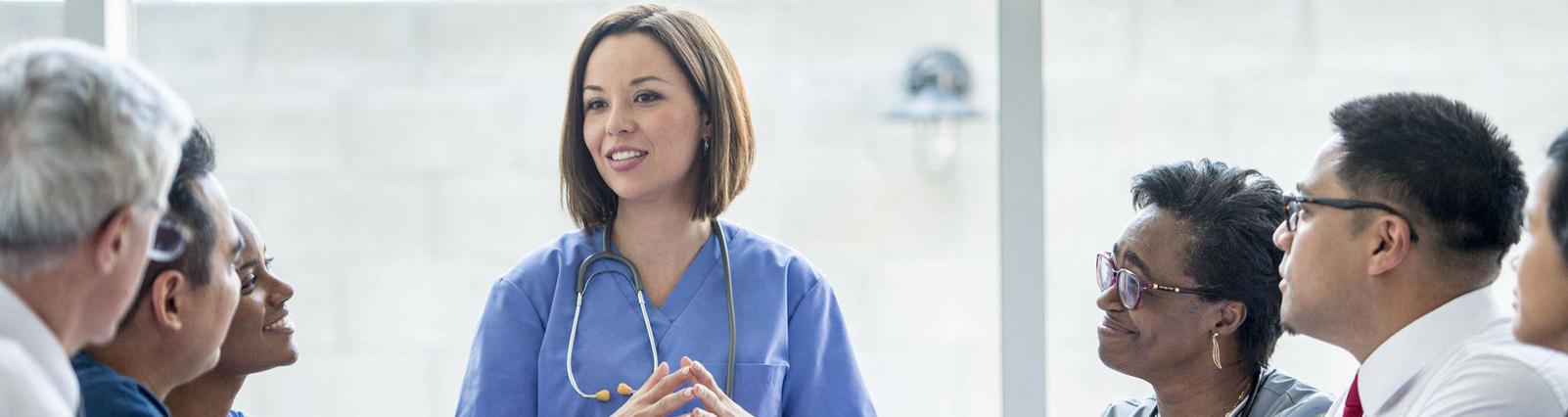 A necessidade de se pensar em liderança na carreira de Enfermagem