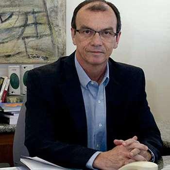 Dr. Renato Peixoto Veras